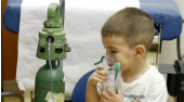 Humo del cigarro y sobrepeso serían los causantes del asma en la niñez
