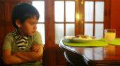 Conózca los consejos de alimentación para un niño con malos hábitos