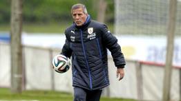 Tabárez tiene principio de acuerdo para seguir dirigiendo a Uruguay