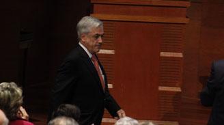 Piñera acusa improvisación y confusión ideológica del gobierno por reformas