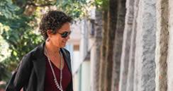 El reservado y duro estilo de Paula Walker, la poderosa jefa de comunicaciones