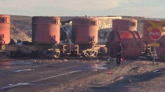 Camión se incendió tras colisionar con un tren en Antofagasta: Un muerto