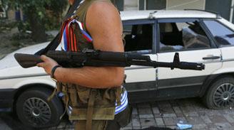 """Por primera vez Ucrania acusa a Rusia de """"invasión directa"""" y pide ayuda militar"""