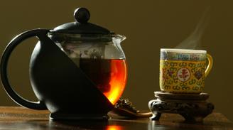 El consumo de té o café no perjudica al corazón, según estudio