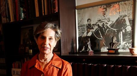 """Isabel Allende: """"PS no debe abdicar de tener un candidato presidencial"""""""