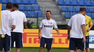 """DT del Inter: """"Medel es un jugador maravilloso"""""""
