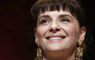 """Juliette Binoche confiesa que le cuesta no llorar al hablar de """"Los 33"""""""