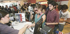 Cinco millones de deudores del retail pasan a manos de la banca este año