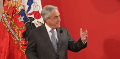 Piñera reaparece con discurso crítico al oficialismo y cargada agenda