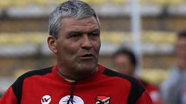 """DT de Bolivia sorprende con particular solución a crisis del equipo: """"una salida al mar"""""""