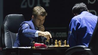 """Mundial de Ajedrez en Sochi: Cómo la máquina de Carlsen doblegó a la de """"Vishy"""""""