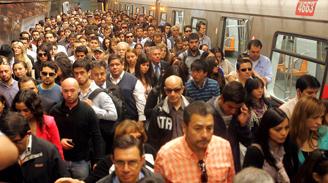 Nueva falla en Línea 4 de Metro duplica tiempo de viaje de usuarios
