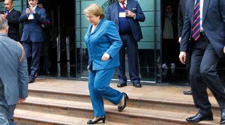 Bachelet retruca críticas de Matthei y UDI-RN coordinan endurecer oposición