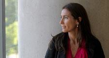 """Carolina Schmidt: Baja presencia de mujeres en directorios """"empobrece al país"""""""