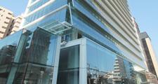 Fundación Luksic y grupo Angelini toman control de edificio Patio Foster