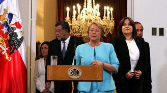 """Bachelet por conmemoración del 27F: """"Reconstrucción no puede ser una bandera de lucha política"""""""