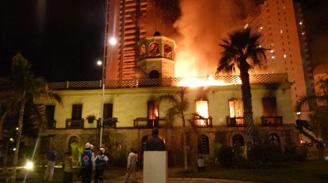 Incendio consumió la ex Aduana en Iquique causando un grave daño patrimonial