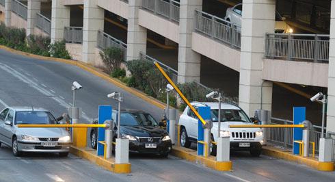 Comisión aprueba proyecto: Dos primeras horas de estacionamiento gratis en mall