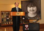 """Presidente de la Corte Suprema inauguró exposición """"Ojos que ven, corazón que siente"""""""