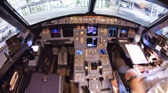 Presidente ejecutivo de Lufthansa propone pruebas psicológicas aleatorias para los pilotos