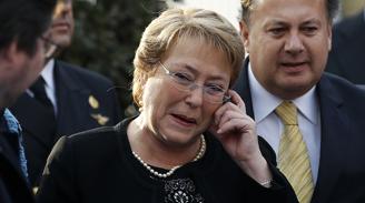 Aprobación de Bachelet llega al punto más bajo de sus dos mandatos: 27%